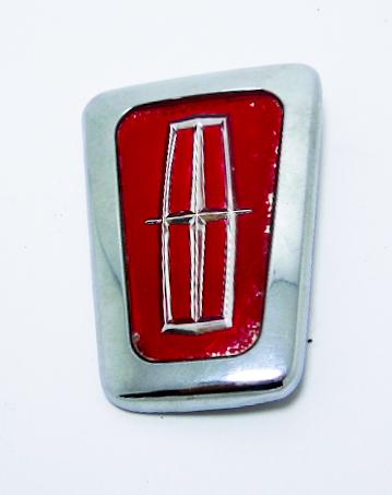 """Крышка замка багажника б/у """"Lincoln"""" красная без базы 61x85мм"""